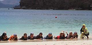 Snorkeling Perdana di Gili Nanggu, Lombok Barat