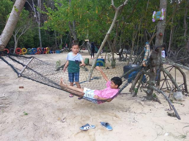 Spot Foto Wisata Mangrove Pandang Tak Jemu Nongsa