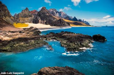 Ilha de trindade, cadeia vitoria trindade, origem da vida, marinha, origem da vida nos oceanos, ecossistema marinho, espírito santo, pesquisa, pesquisadores, espécies marinhas, oceanos, mar, conservação, extinção, como surgiu a vida nos oceanos e mares