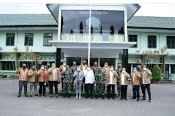 Arnold Ritiauw dan Richard Louhenapessy Gandeng Tangan Bangun Ambon