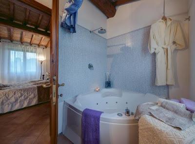 Vacanze in Italia - Blog di viaggi - Dove dormire con vasca idromassaggio nella provincia di Firenze