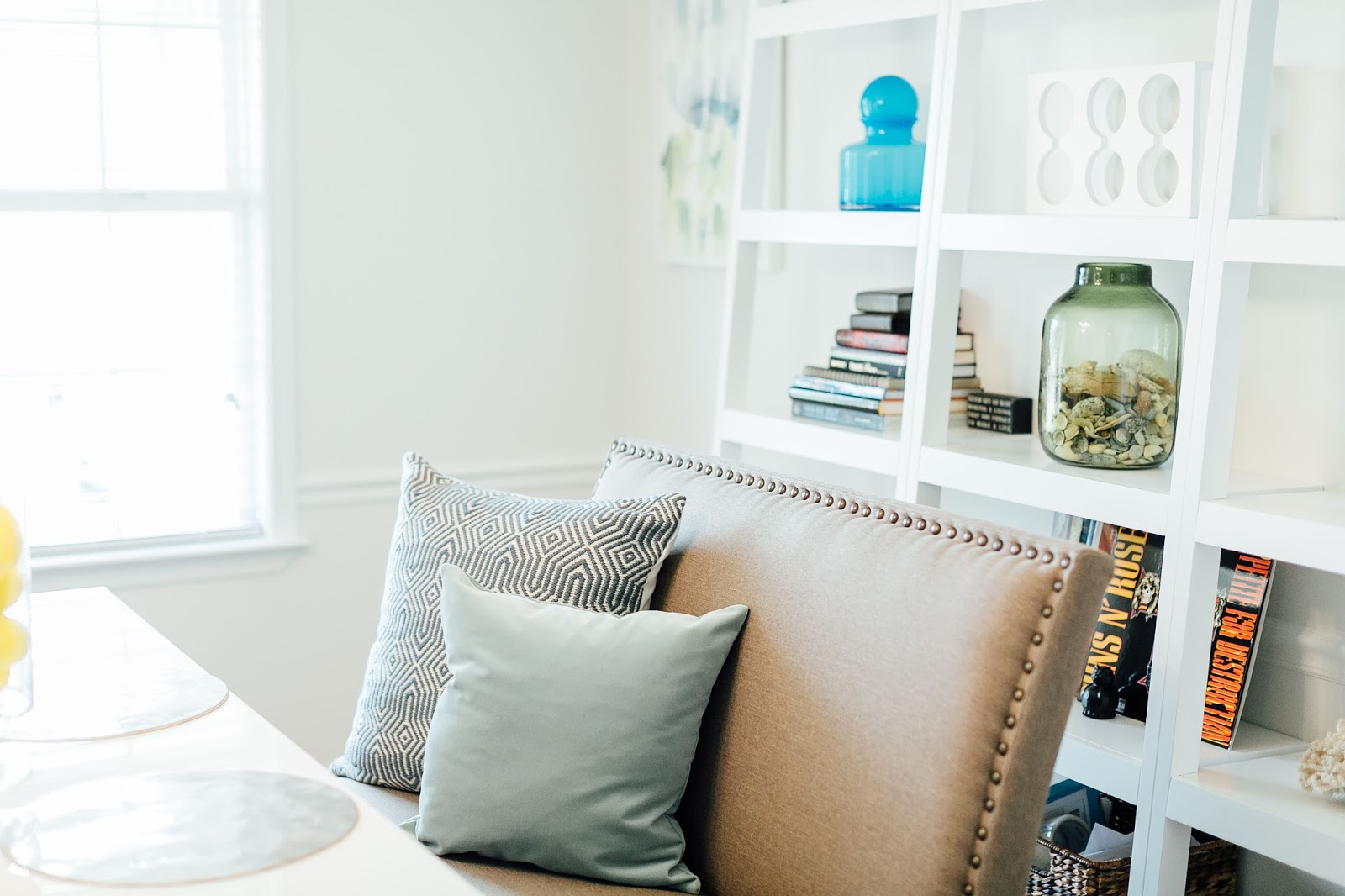 My Contemporary Dining Room Reveal by style blogger Walking in Memphis in High Heels
