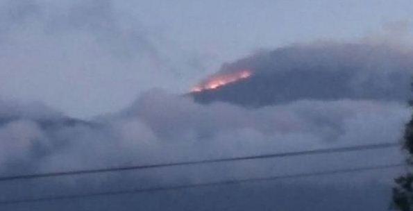 FOTO: Kebakaran Gunung Ciremai Meluas, Penyebab Belum Diketahui