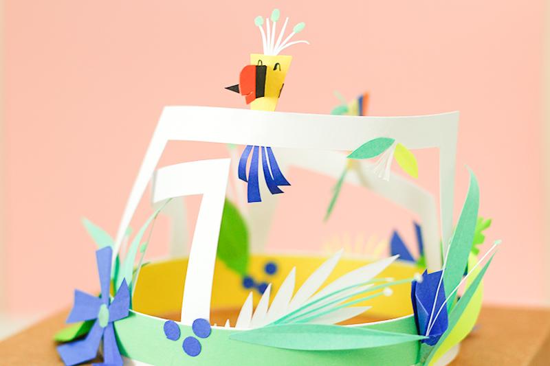 décoration tropicale en pepier découpé