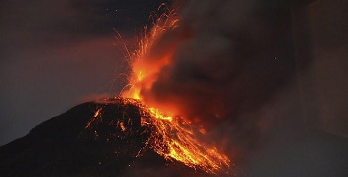 ALERTA! O vulcão 'Reventador' entra em erupção novamente no Equador - Anel do fogo do Pacífico super ativo!