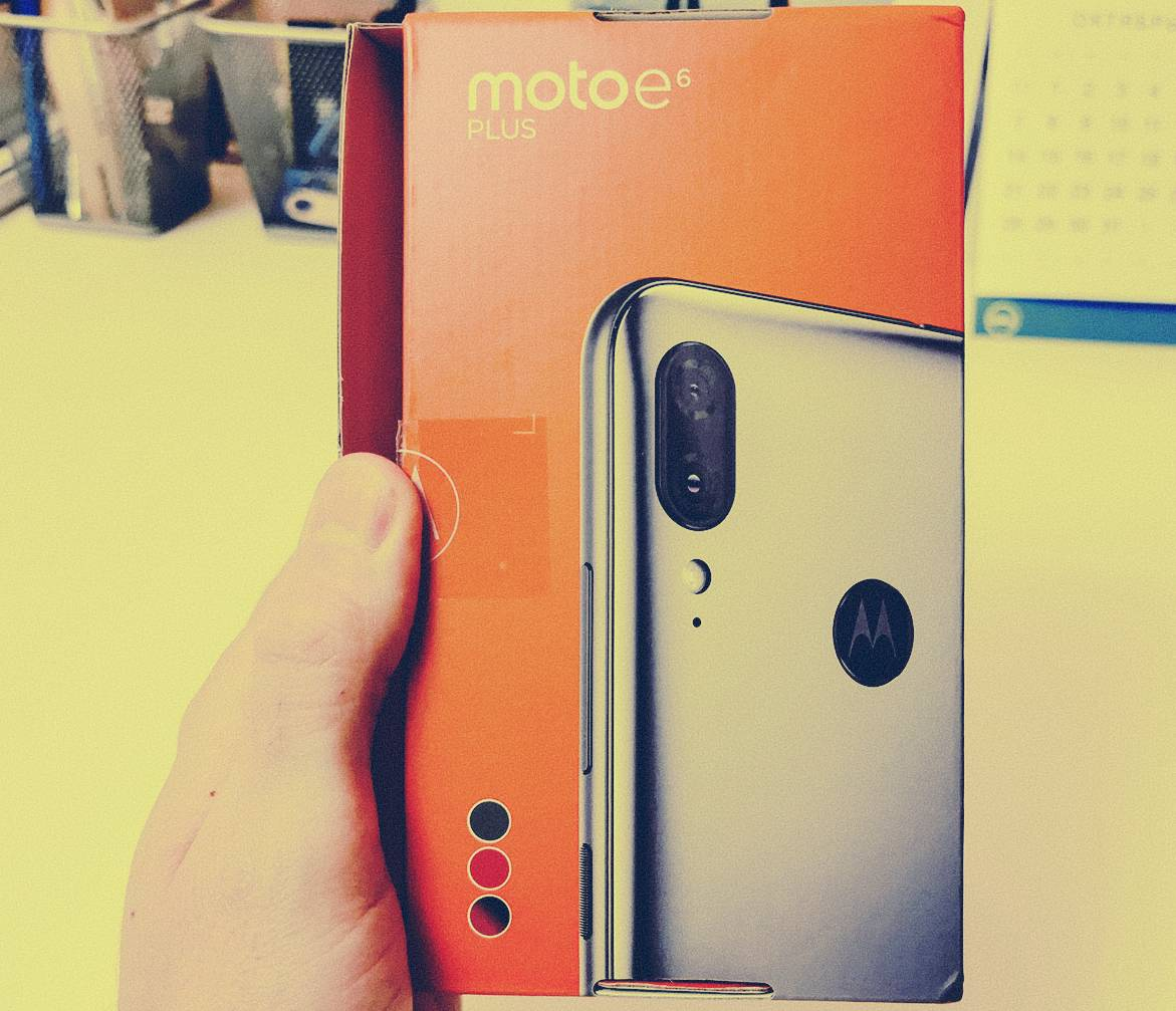 Motorola E6 Plus Review