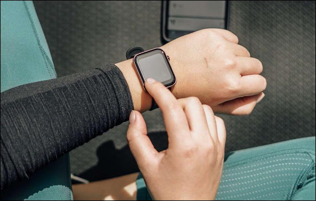 Can Wearing A Smartwatch Cause Health Problems?