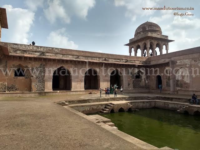 Information about Baz Bahadur Palace Mandu