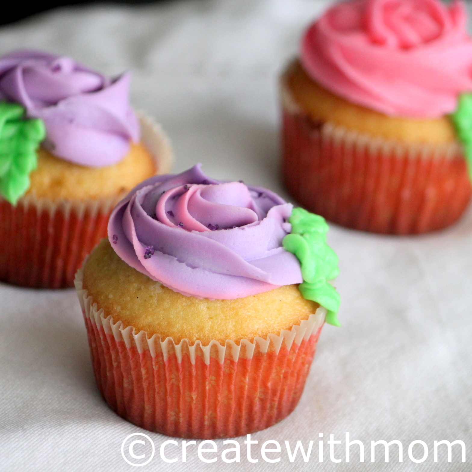 Create With Mom: Cupcakes For A Birthday
