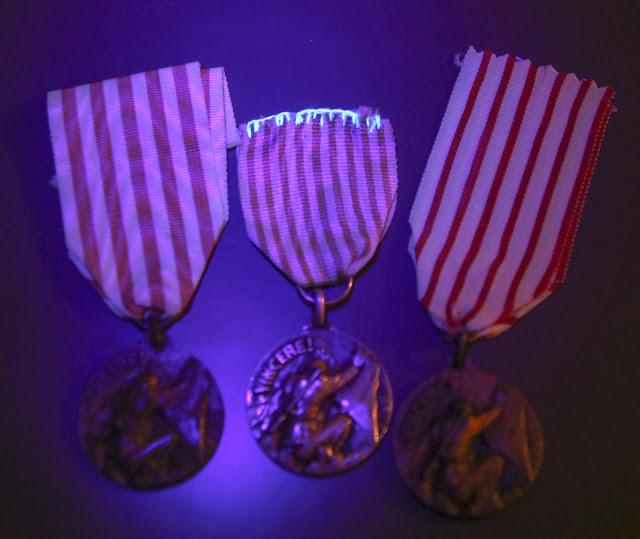 Medaglia per la Battaglia del Fronte Alpino Occidentale argento affer lorioli luce ultravioletta lampada di wood