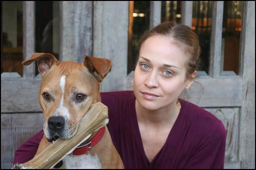Fiona Apple con su perra Janet