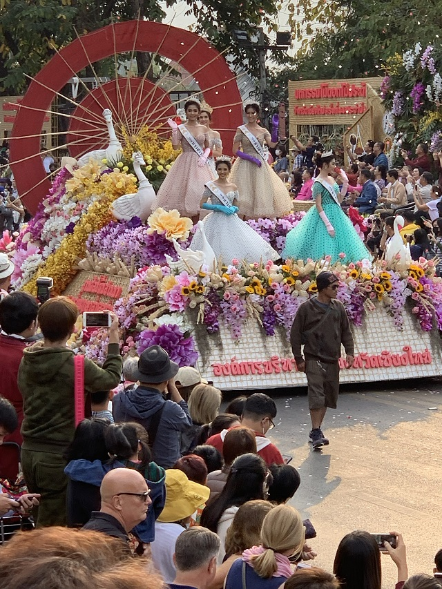 Flower Festival Thailand 2020 float with queen and princesses