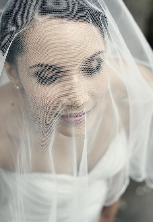 f470d5c3d727 Svadobné účesy 2. Svadobný účes so závojom (+ Video)