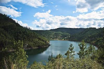 Rio Zêzere em Portugal