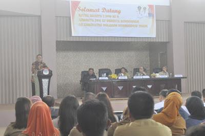 Senator Beny Ramdahani saat diskusi.