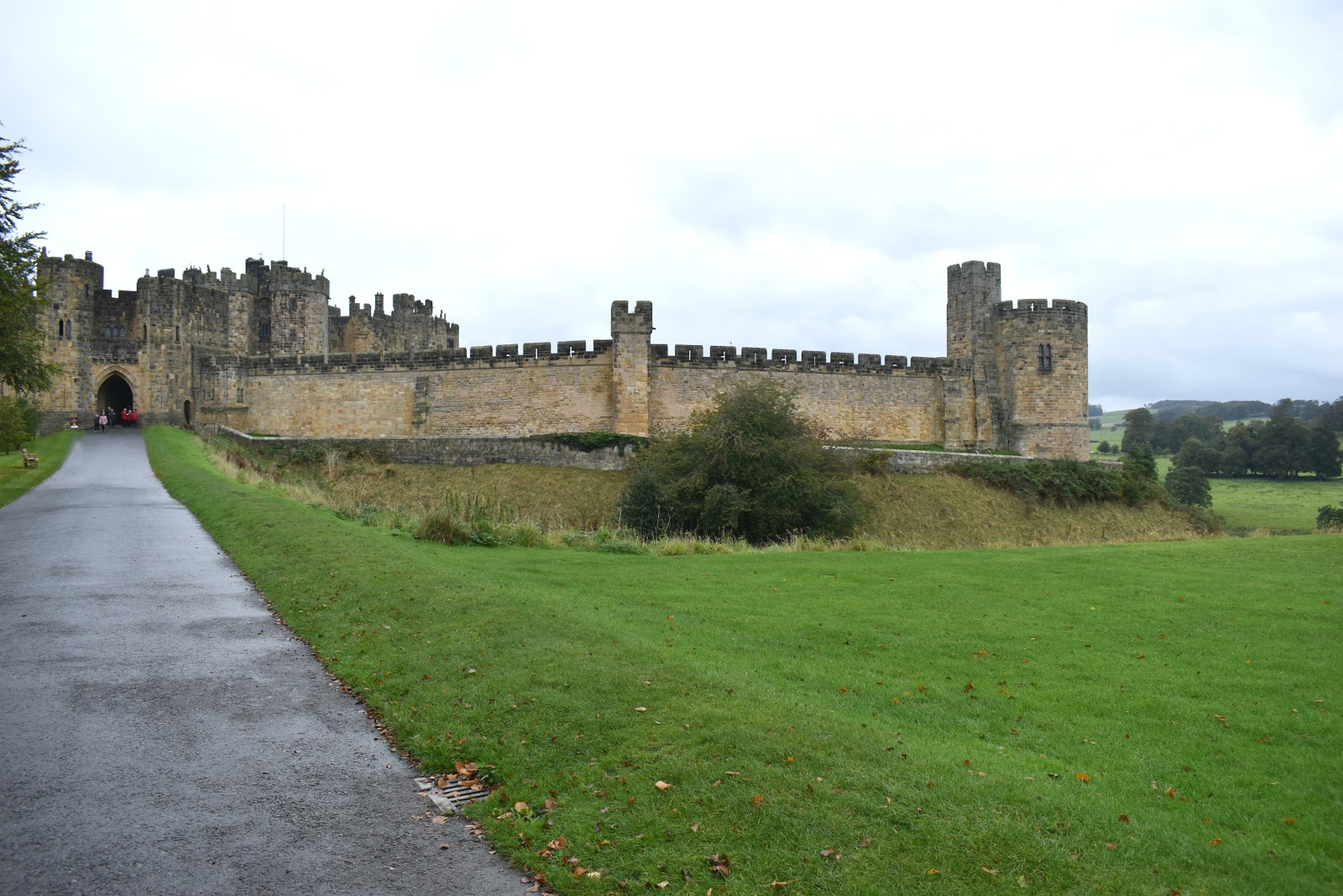 Harry Potter Tour of Alnwick Castle with Lundgren Tours