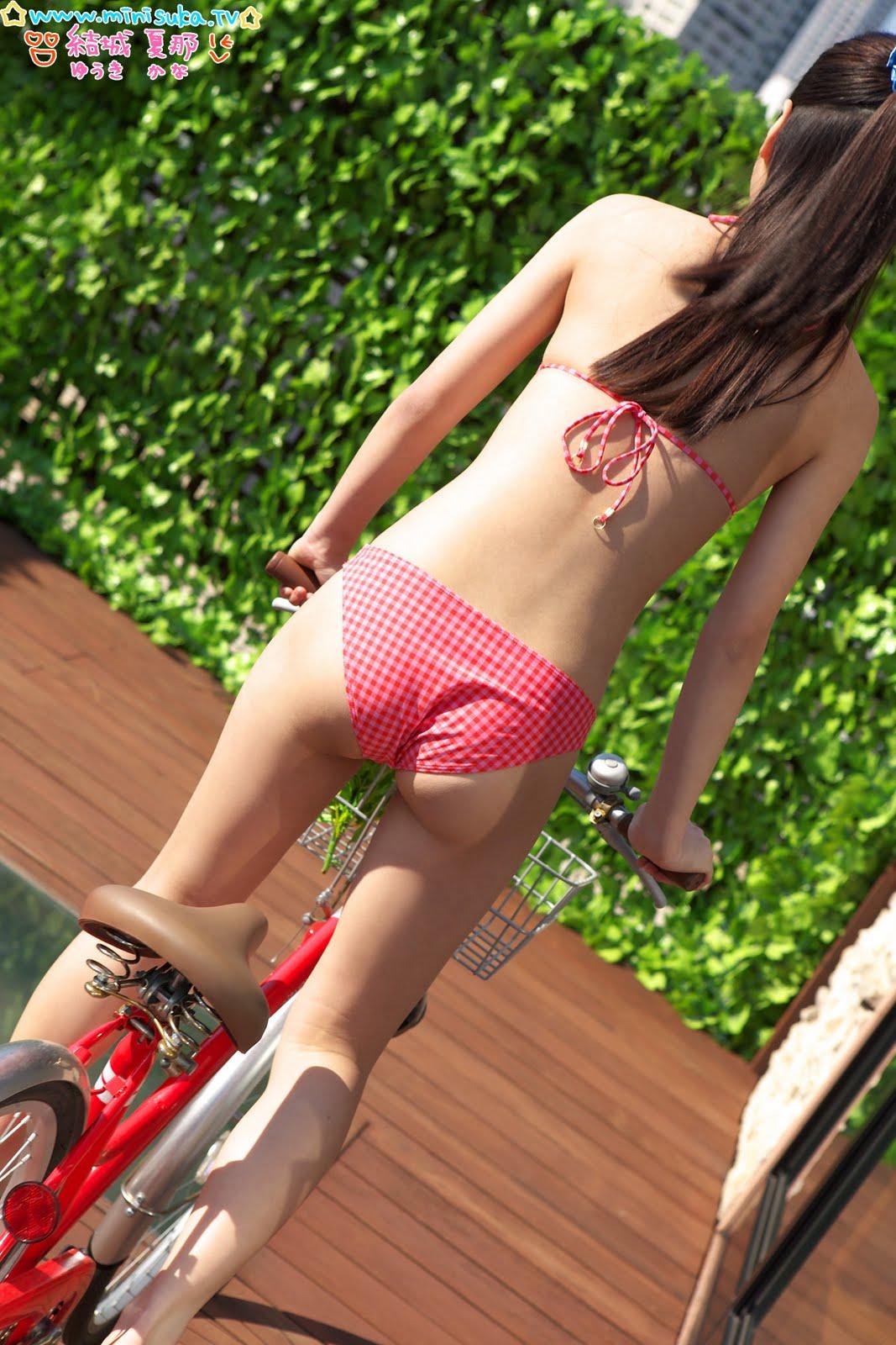 2 hot girls 511 - 1 1