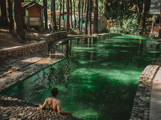 Kolam renang wisata Curug Semirang