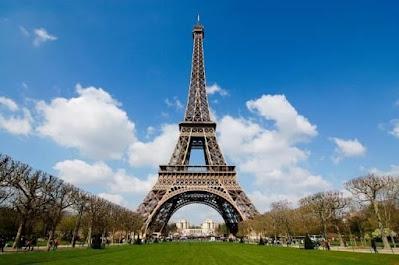 ذكرى الانتهاء من أعمال بناء برج إيفيل في فرنسا - أوراق مجتمع