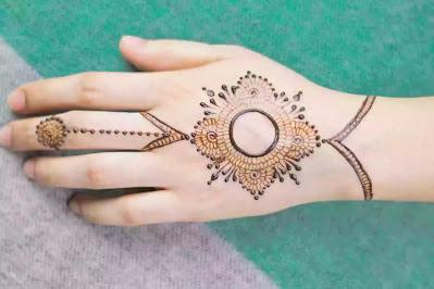 Beautiful Jwellery like Mehndi design