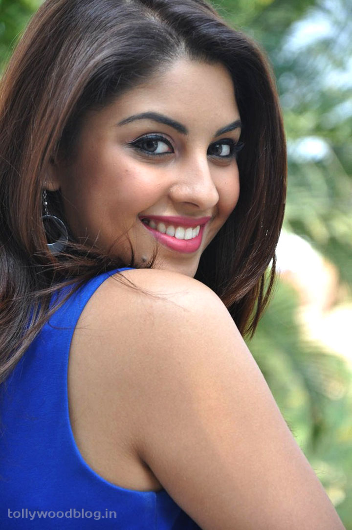 Richa Gangopadhyay Hot Unseen Photos And Personal Details