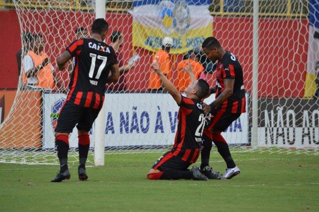 Vitória joga o suficiente para vencer o Jacobina no Barradão