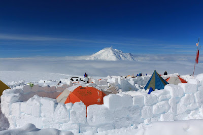 Basin Camp - baza położona na wysokości 4330 m n.p.m.