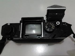 Canon F-1 viewfinder terbuka