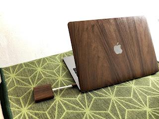 MacBookを木製風にDIY