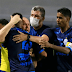 Com torcida e falha de goleiro, Azulão quebra 100% do Fogão no segundo turno e sobe para oitavo