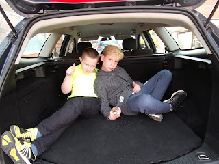 ford mondeo estate boot big enough for 2 boys