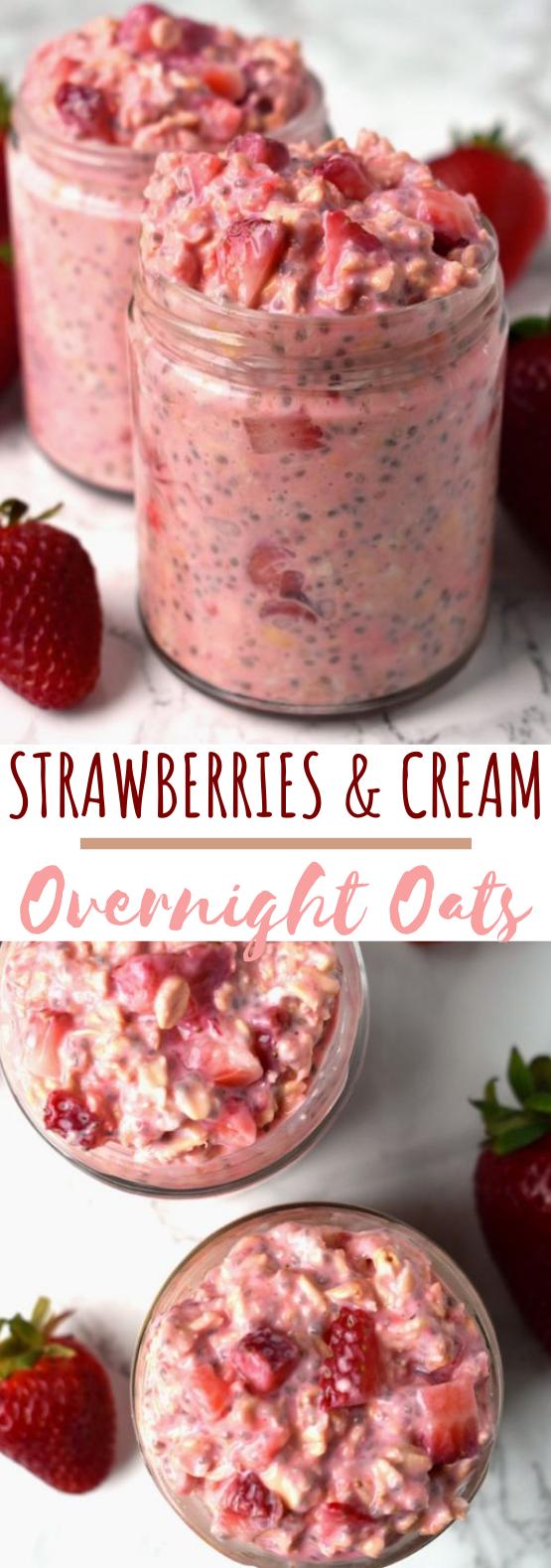 Strawberries and Cream Overnight Oats #healthy #breakfast #easy #vegetarian #keto