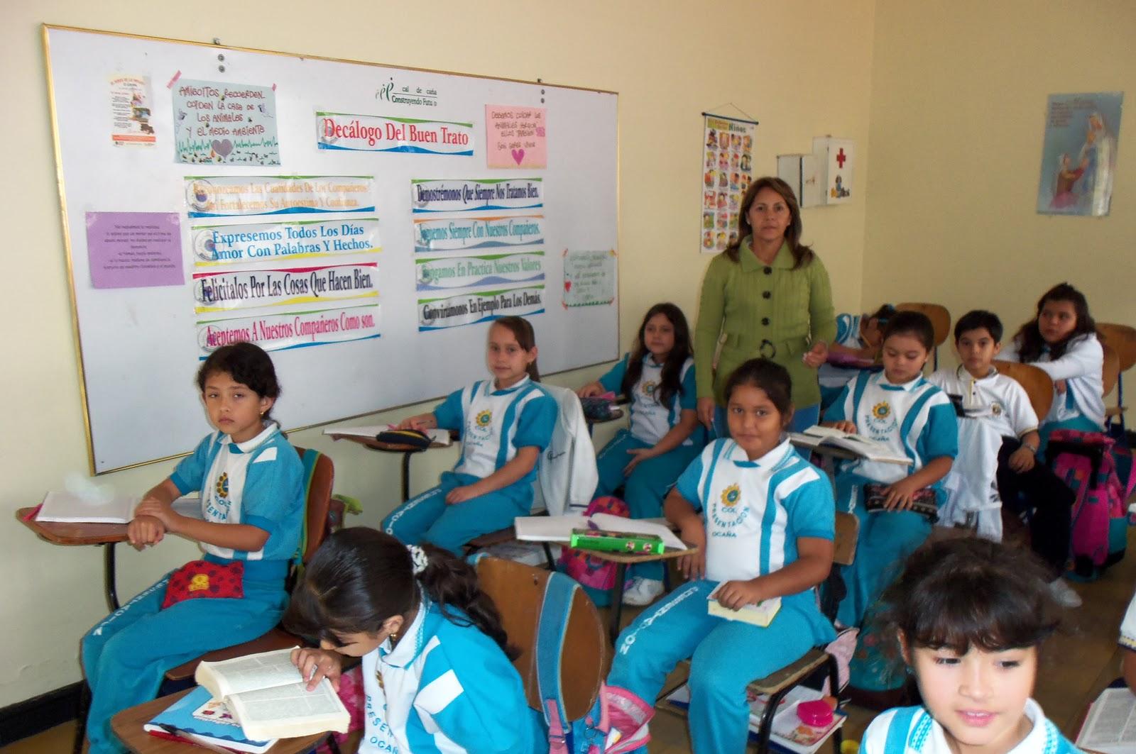 Cristi profesora de primaria - 3 5