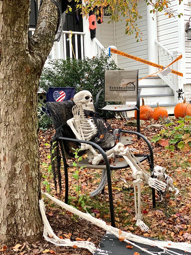 front  yard halloween decor