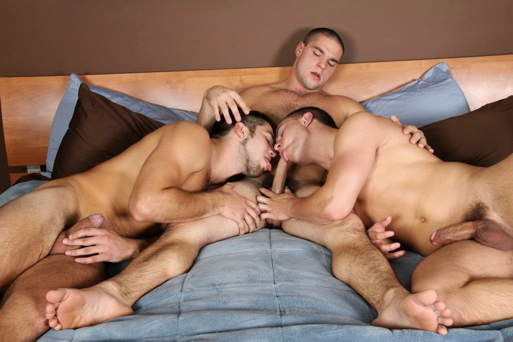 Straight guys sucking cock