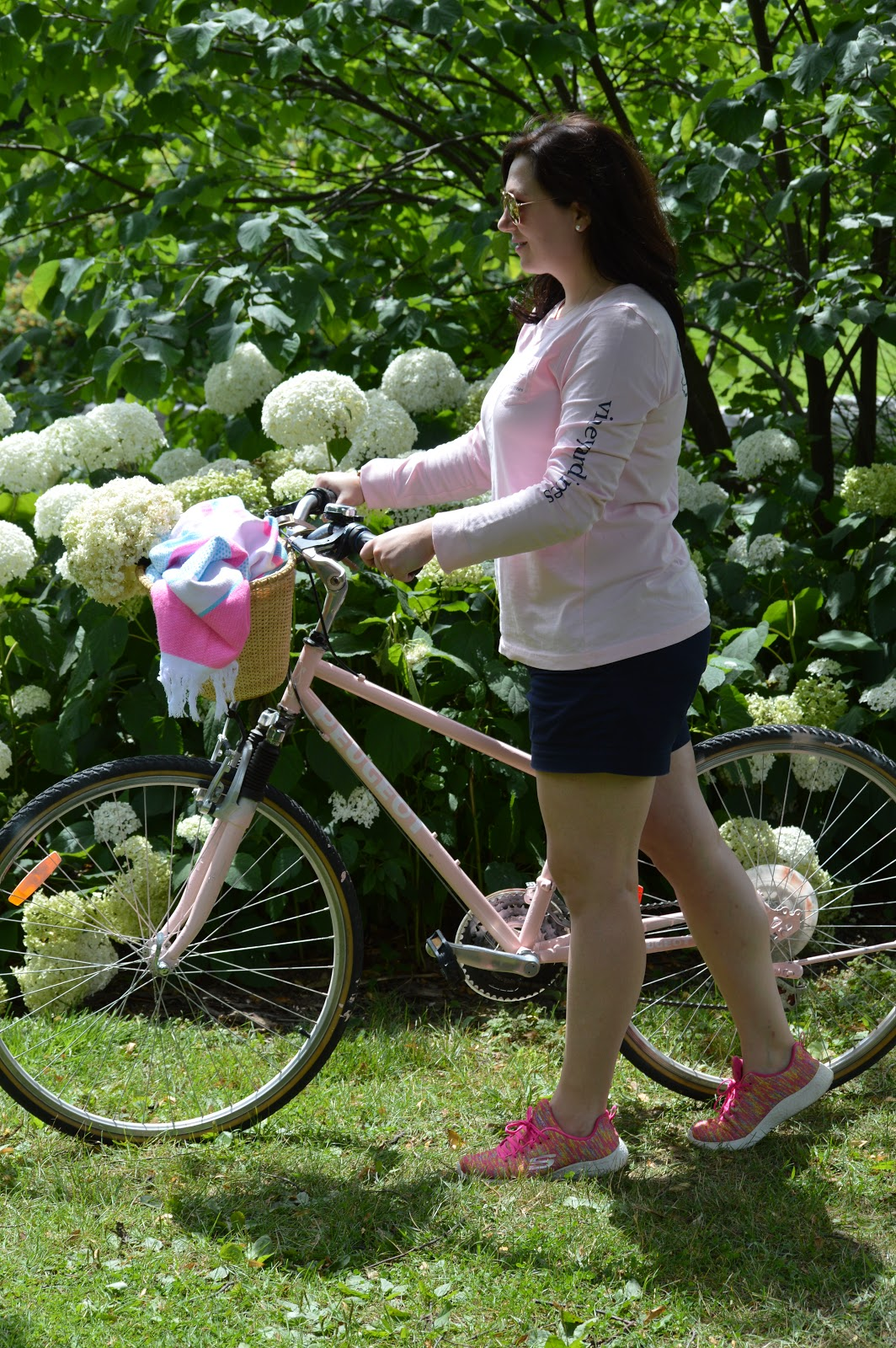 Vineyard Vines pink bike