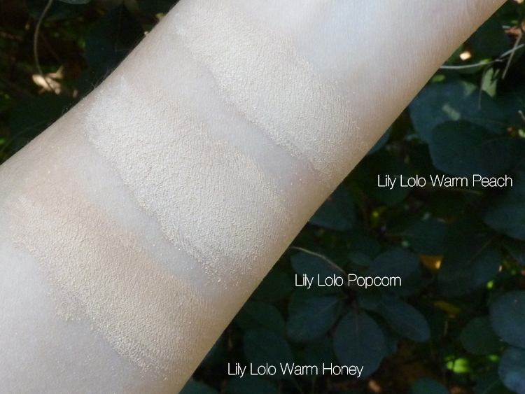 Lily Lolo Mineral Foundation Swatch Warm Peach, Popcorn und Warm Honey