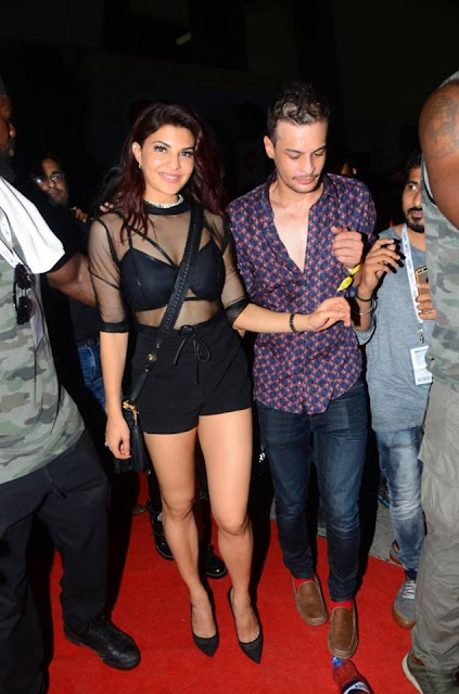 Jacqueline Fernandez cleavage and thighs images