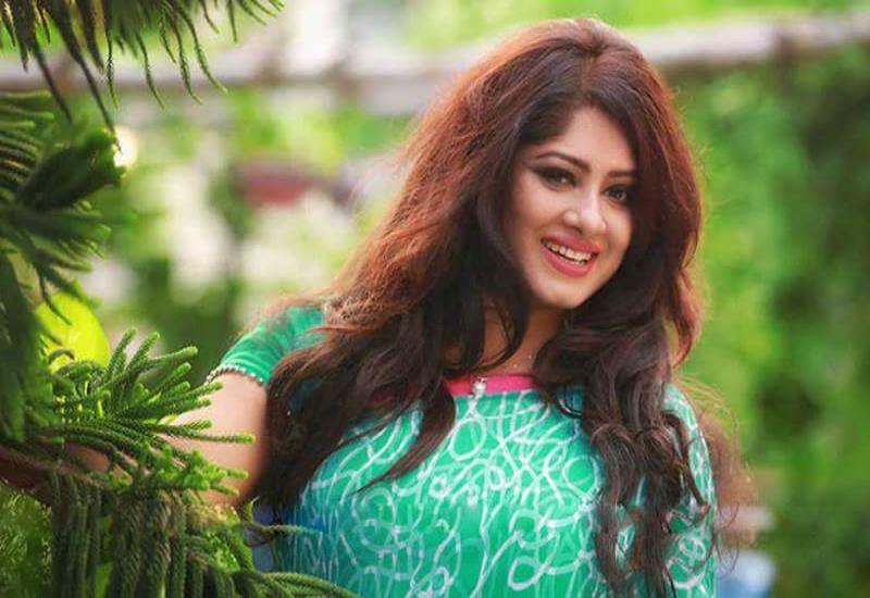 Actress Mousumi Best Photos & Short Biography 11