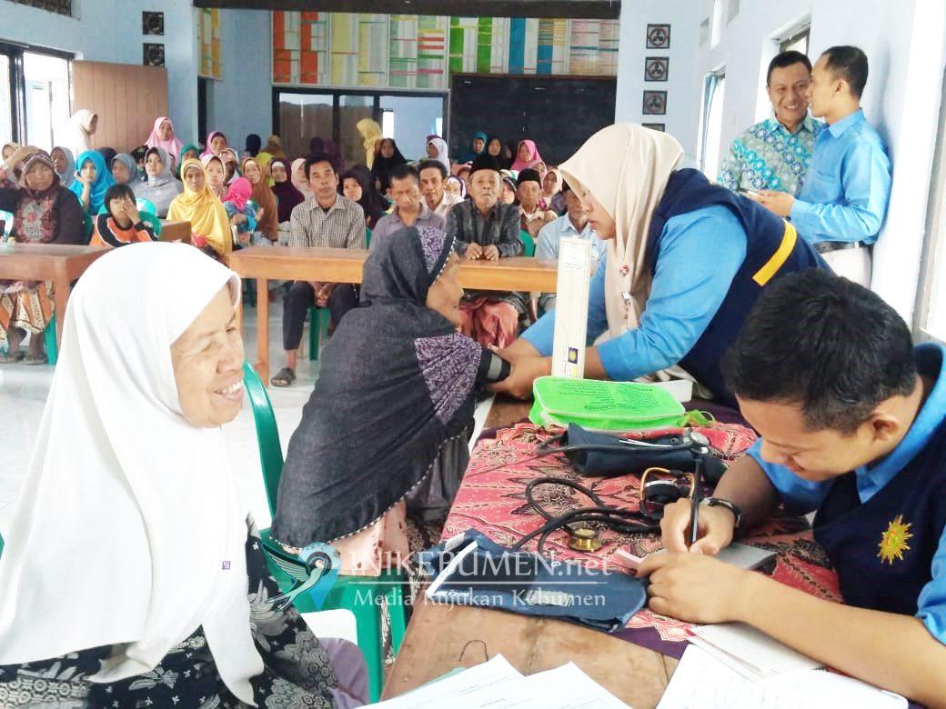 Lazismu Pejagoan dan PKU Muhammadiyah Sruweng Gelar Pengobatan Gratis di Logede