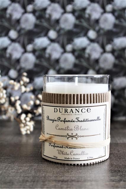 durance camélia blanc avis, parfum camélia, camélia blanc, camélia blanc durance, parfum cocooning, parfum d'ambiance fleurs blanches, parfum au camélia, bougie parfumée naturelle, bougie parfumée durance, bougies durance