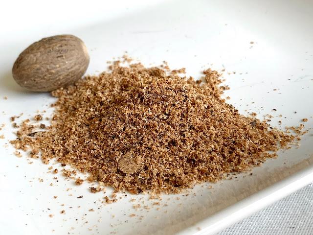 One 5 g nutmeg equals 4 teaspoons ground