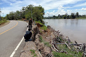 Jalan Nasional Lintas Timur di Kapuas Hulu Terancam Putus