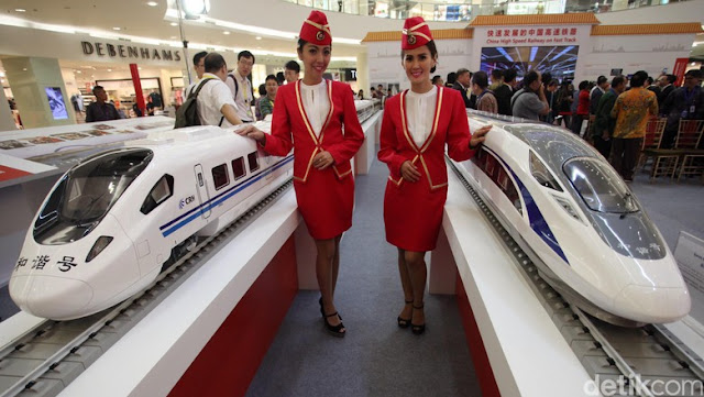 Miniatur Kereta Cepat Jakarta - Bandung