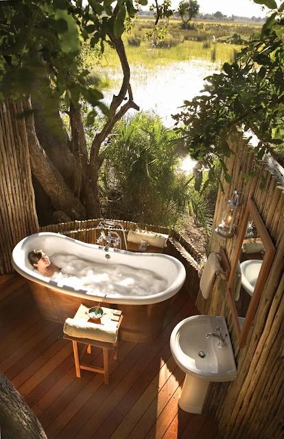 อ่างอาบน้ำกลางแจ้ง
