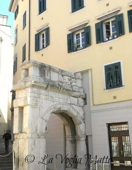 Trieste Cittavecchia arco di Riccardo