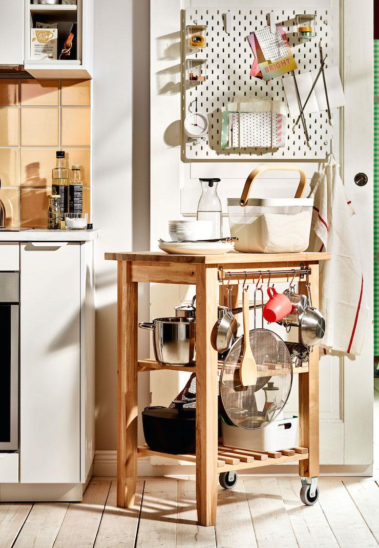 Carrito de cocina de madera de IKEA.