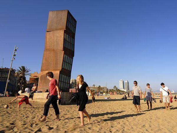 روعة المدن الساحلية beach-barcelona-spai