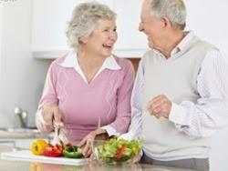 10 nguyên tắc ăn uống lành mạnh cho người cao tuổi
