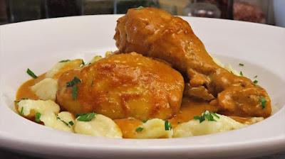 Pileći Paprikaš s Trgancima (noklicama) | Chicken Paprikash with Homemade Dumplings